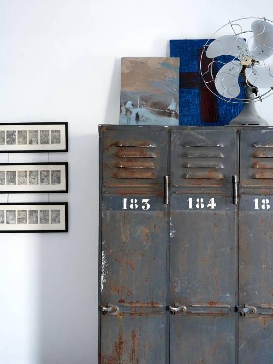 Inspiratie voor thuis om lockers te gebruiken als kast.