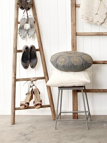 Houten ladder badkamer massief houten meubelen van skagerak voor badkamer en tuin koop laag - Houten interieurdecoratie ...