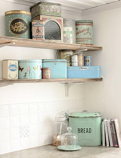Brocante Keuken Pinterest : Vintage Storage Tins Kitchen