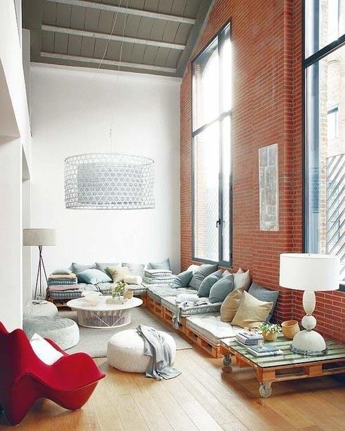 hoog plafond is een uitdaging, omdat een ruimte met een hoog plafond ...