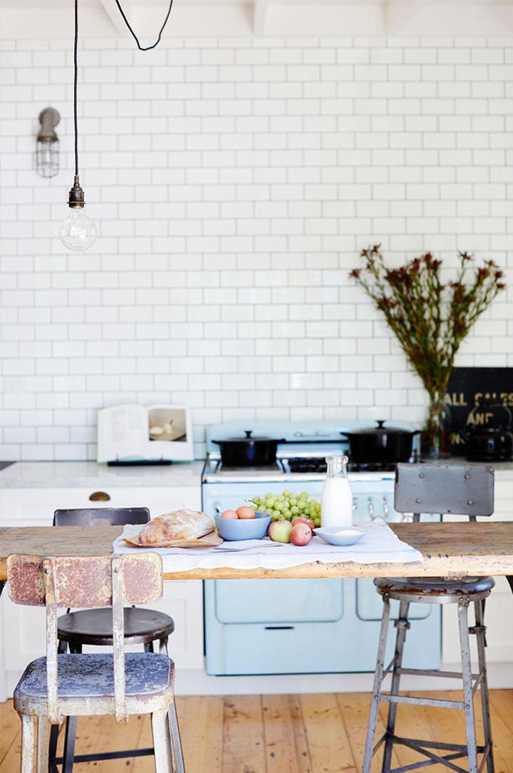 Krijtbord Achterwand Keuken : Vintage Subway Tile Kitchen