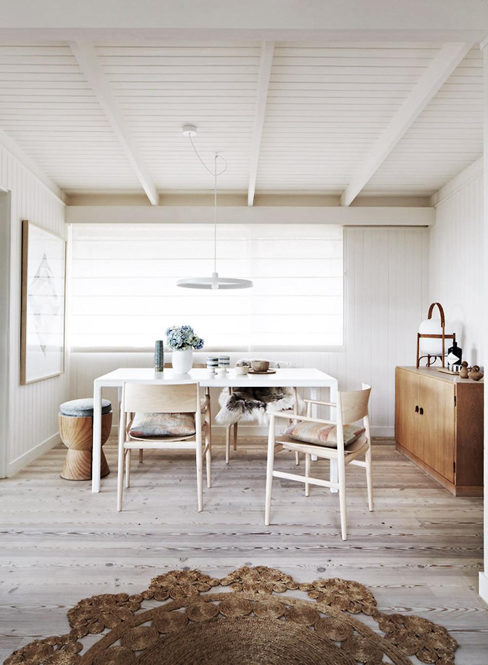 Summer cottage in melbourne interior junkie bloglovin for Interior junkie