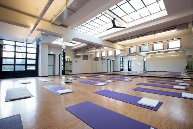 Yogascholen met coole inrichting