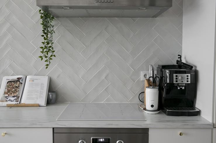 Visgraat tegels: mooi voor in de keuken