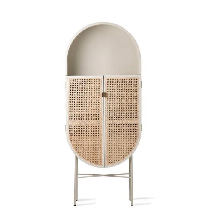 Woonfavorieten: houten kaptafel + kunstige spiegel