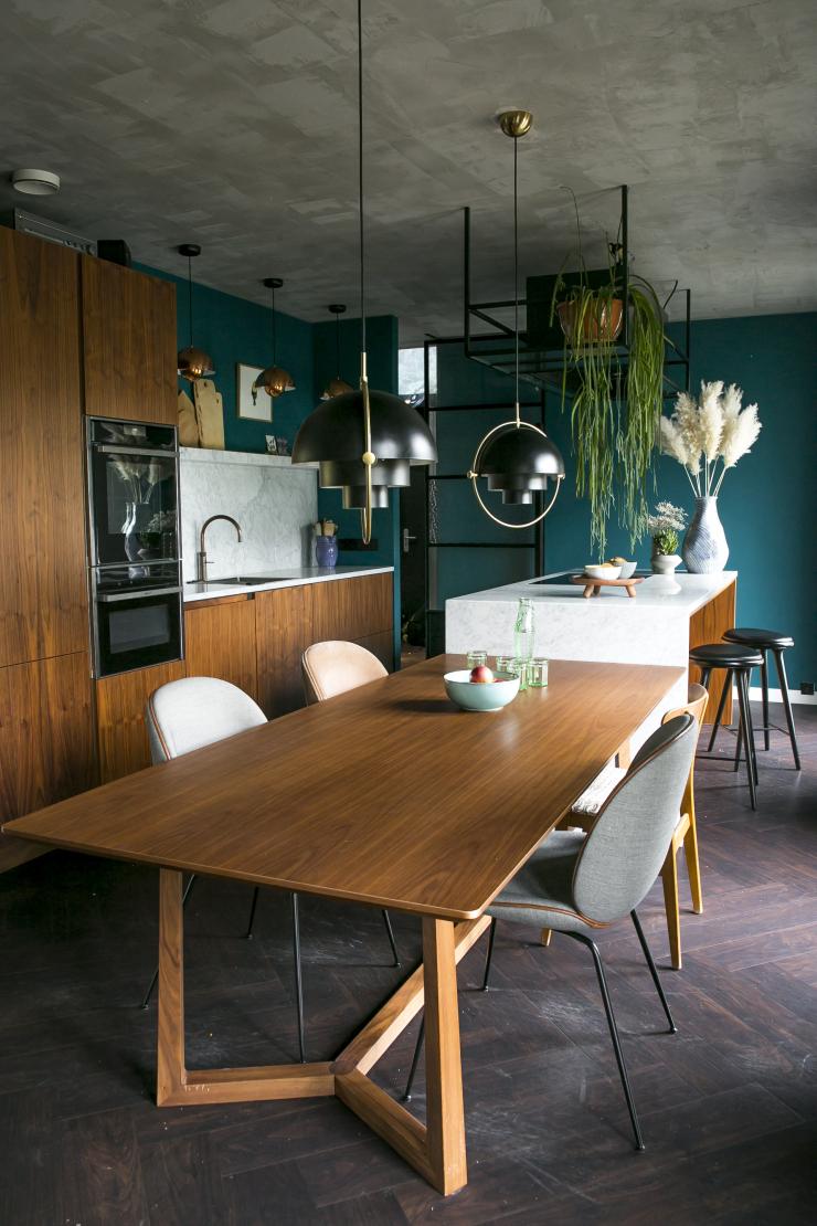Gouden combi: hout en marmer in de keuken