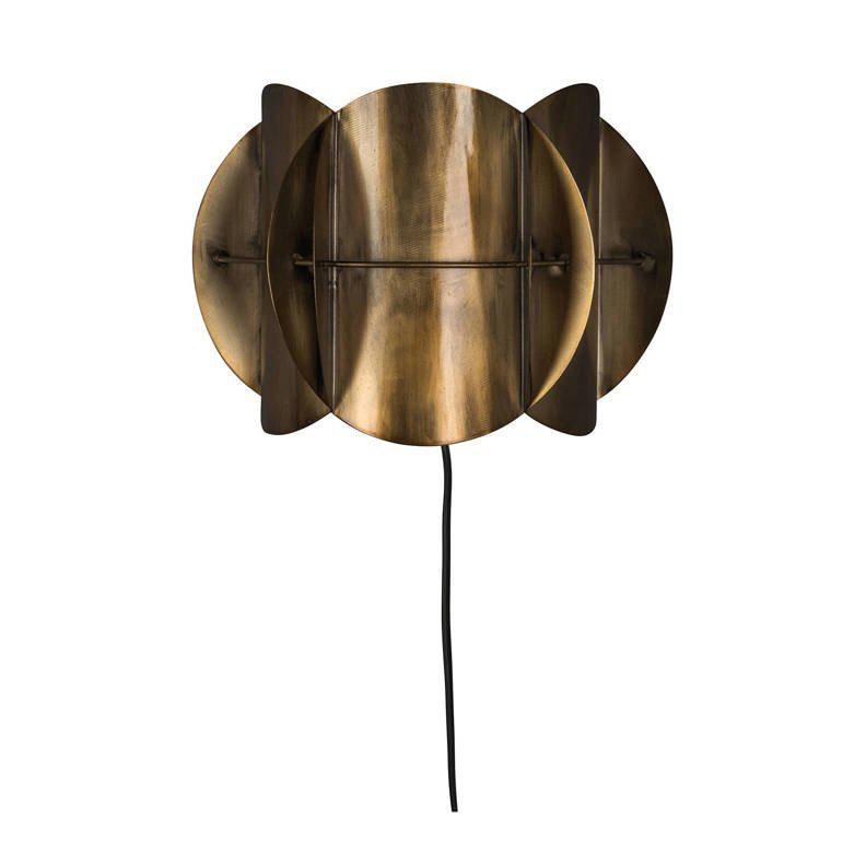 Woonfavorieten: gouden wandlamp + retro bureau