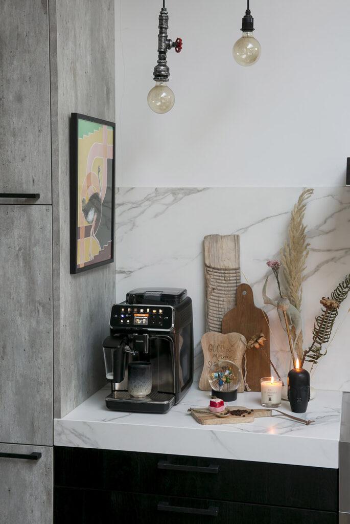Marieke verrassen met een koffiehoekje in de keuken