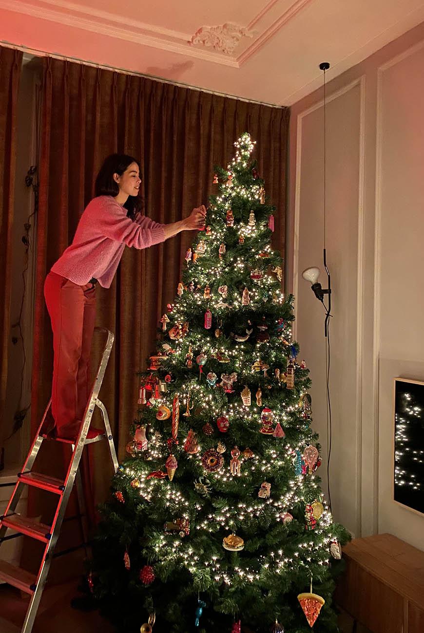 Mijn XXL kitscherige kerstboom staat + alle vragen beantwoord