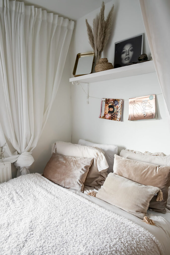 Doen: je bed pimpen met een budgetproof hemel