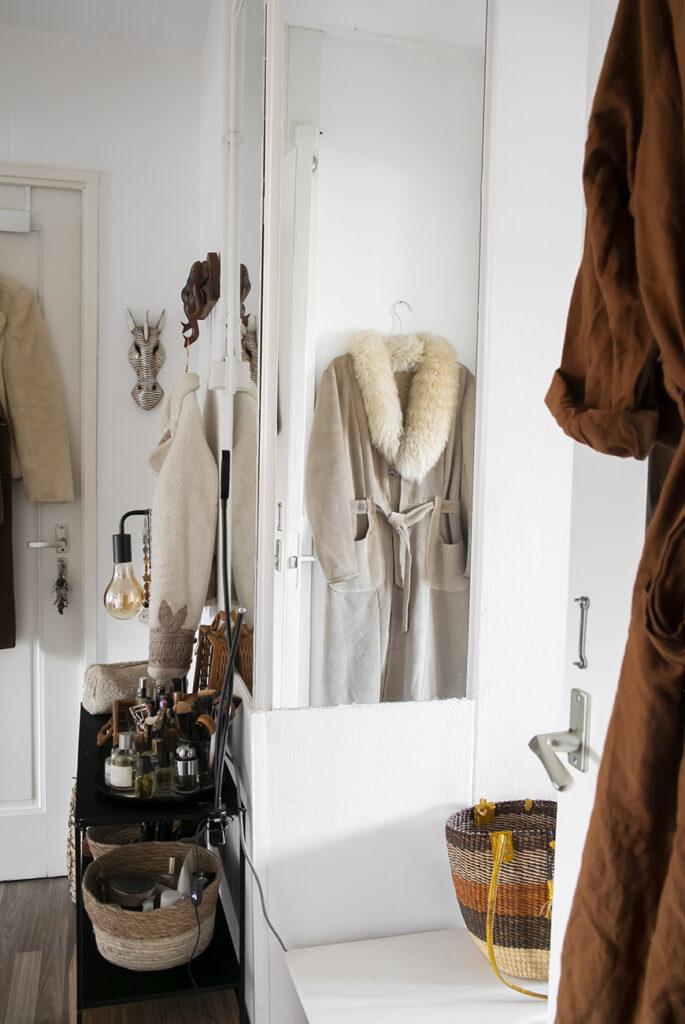 Stylen met kledingstukken in huis: zo doe je dat!