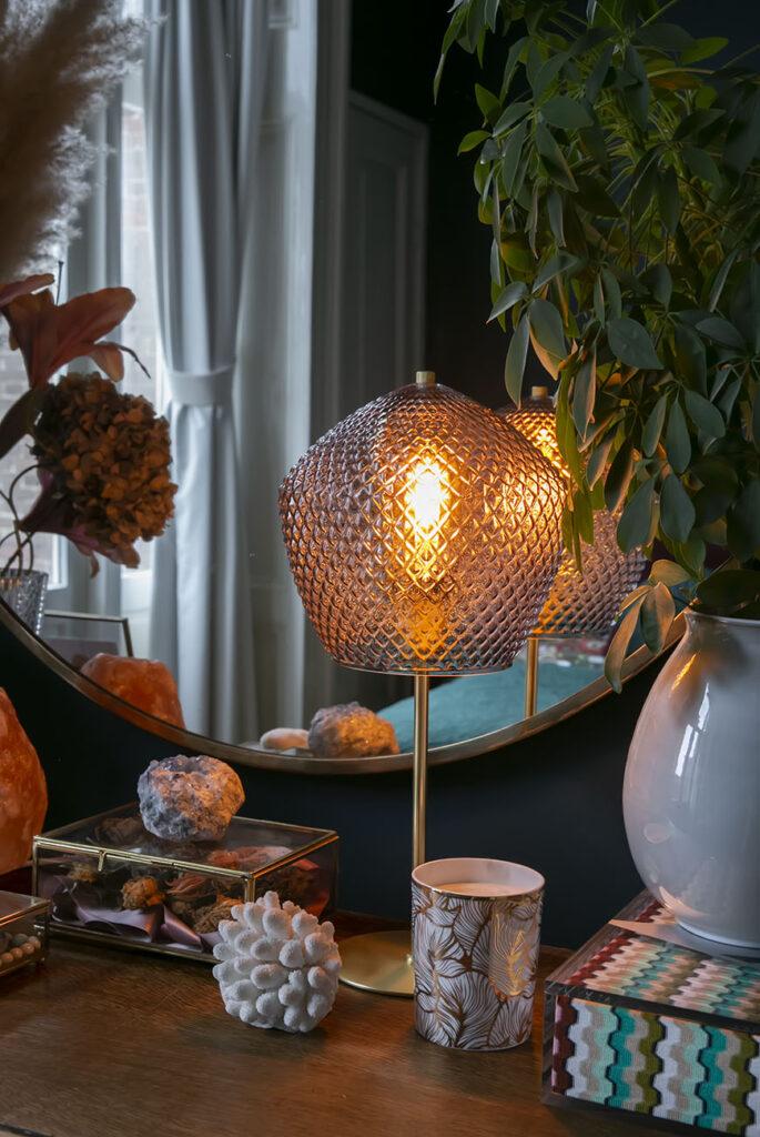 Nieuwe hotel chic tafellamp voor extra sfeer in de slaapkamer