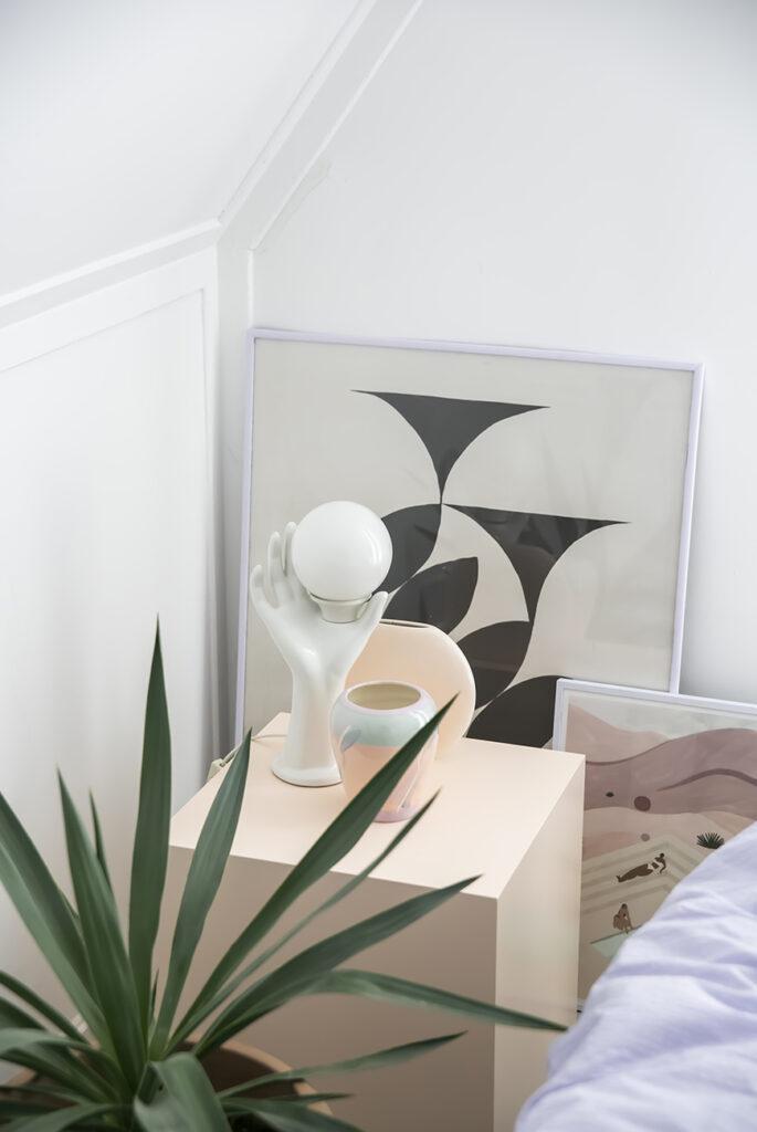 Kunst stylen in huis: leg het eens vaker op de grond